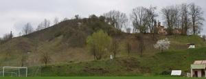 Porządkowanie góry zamkowej w Mielniku