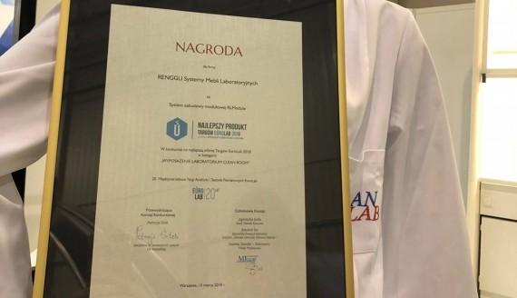 Pracownicy białostockiego oddziału firmy Renggli otrzymali nagrody na targach EuroLab, źródło: Renggli - systemy mebli laboratoryjnych