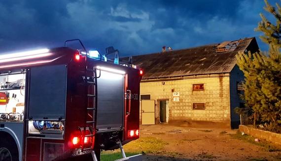 Wichura zniszczyła budynki, fot. Paweł Wądołowski