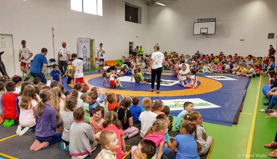 Najmłodsi mieszkańcy Szczuczyna będą mogli skorzystać z bezpłatnych zajęć sportowych, fot. Paweł Wądołowski