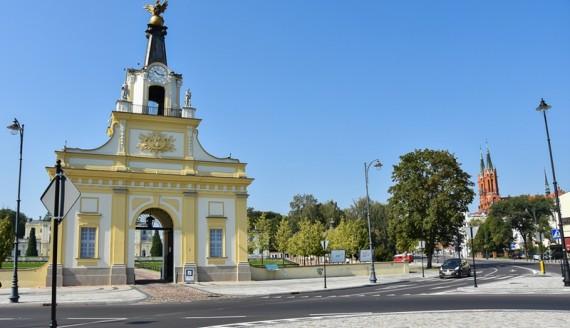 Brama Wielka w Zespole Pałacowo-Ogrodowym Branickich w Białymstoku, fot. Marcin Jakowiak/Urząd Miejski w Białymstoku
