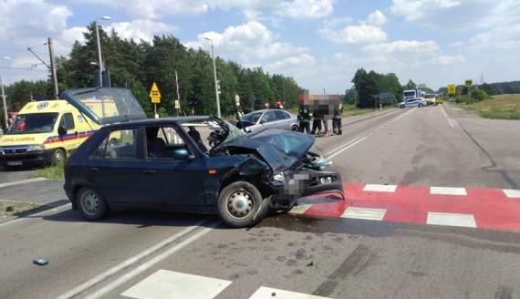 Wypadek w okolicach Osowca - 2 osoby ranne, źródło: Podlaska Policja
