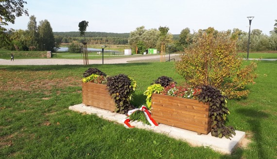 Miejsce, w którym stał pomnik poświęcony żołnierzom niezłomnym, fot. Wojciech Szubzda