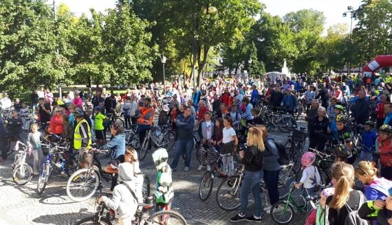 Suwalscy rowerzyści przejechali przez miasto w ramach Europejskiego Dnia Bez Samochodu, fot. Iza Kosakowska