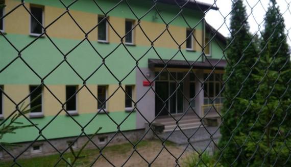 Zamknięta szkoła w Becejłach, fot. Iza Kosakowska