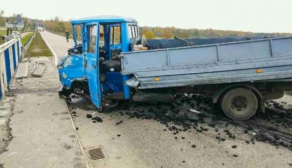 Wypadek na DK64 w okolicach Wizny - samochód dostawczy najechał na dwóch mężczyzn, fot. Paweł Wądołowski