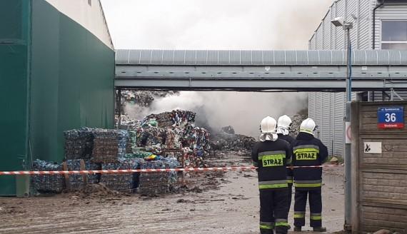 Pożar hałdy śmieci na składowisku w Studziankach koło Wasilkowa, fot. Ryszard Minko