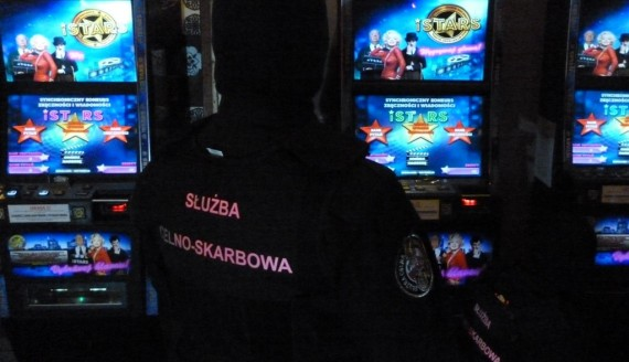 Zatrzymano nielegalne automaty do gier w jednym z zambrowskich lokali, źródło: http://www.podlaskie.kas.gov.pl