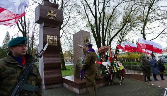 Krzyż Katyński przy Pomniku Katyńskim w Białymstoku, fot. Dawid Gromadzki/UM Białystok