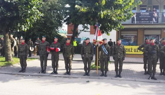 Żołnierze wojsk obrony terytorialnej złożyli przysięgę wojskową w Mońkach, fot. Marcin Mazewski
