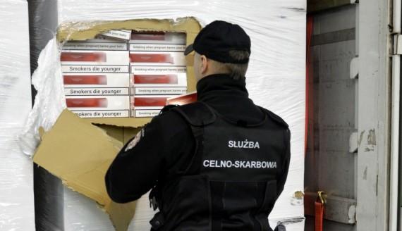 Służby celno-skarbowe zatrzymały przemyt 450 tys. paczek papierosów, źródło: www.podlaskie.kas.gov.pl