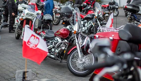 Parada motocykli w Łomży z okazji Narodowego Święta Niepodległości, fot. Paweł Wądołowski