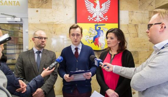 Artur Kosicki, Konrad Zieleniecki i Katarzyna Siemieniuk, fot. Monika Kalicka