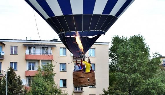 Kilka kolorowych balonów uniosło się nad Białymstokiem, fot. Sylwia Krassowska
