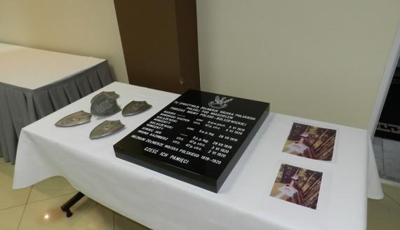 Związek Gmin Wiejskich Województwa Podlaskiego ufundował tablicę poświęconą żołnierzom Wojska Polskiego, która zawiśnie w kościele w Miadziole na Białorusi, fot. Renata Reda