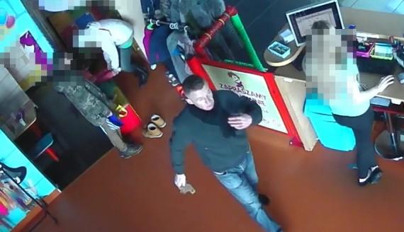 Suwalska policja poszukuje mężczyzny, który ukradł blisko 5 tys. zł, źródło: http://www.suwalki.policja.gov.pl