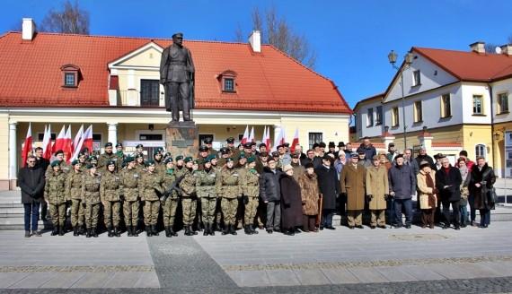 Obchody imienin marszałka Józefa Piłsudskiego w Białymstoku, fot. Sylwia Krassowska
