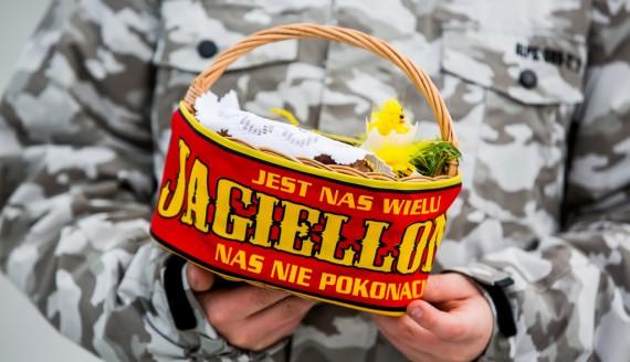 Święcenie pokarmów na Stadionie Miejskim w Białymstoku, fot. Joanna Szubzda