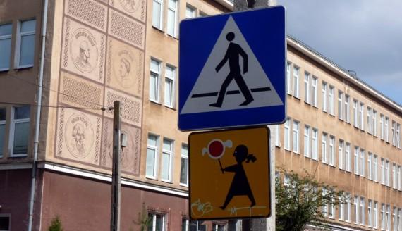 Przejście przy I LO w Białymstoku, ulica Brukowa, fot. Wojciech Szubzda