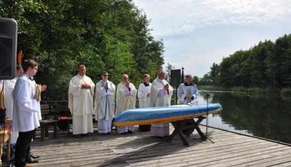 Msza nad jeziorem Wigry - fot. Irena Poczobut