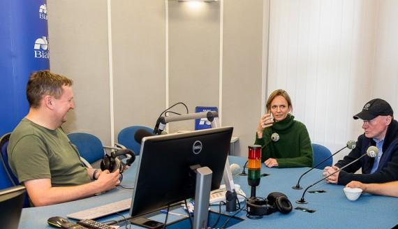 Wojciech Kujałowicz rozmawia z Kasią Stankiewicz i Robertem Jansonem, fot. Monika Kalicka