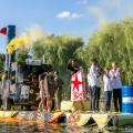 """""""Wschodzące Słońce Narodów"""", Pływanie na Byle Czym 2017, fot. Joanna Żemojda"""