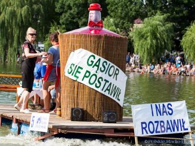 """""""Gąsior się postawił"""", Pływanie na Byle Czym 2016, fot. Joanna Żemojda"""