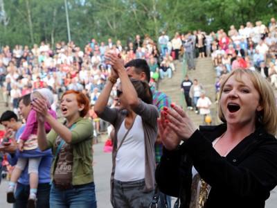 """Koncert finałowy Marion Ette, """"Przebojem na antenę 2013"""", Hajnówka, 30.06.2013, fot. Joanna Żemojda"""