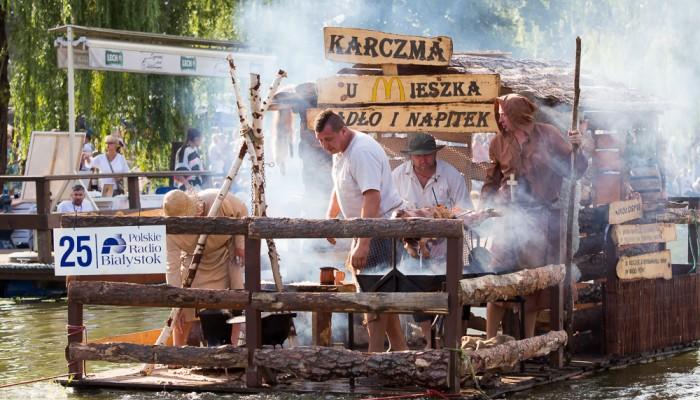 """""""Karczma u Mieszka"""", Pływanie na Byle Czym 2016, fot. Joanna Żemojda"""