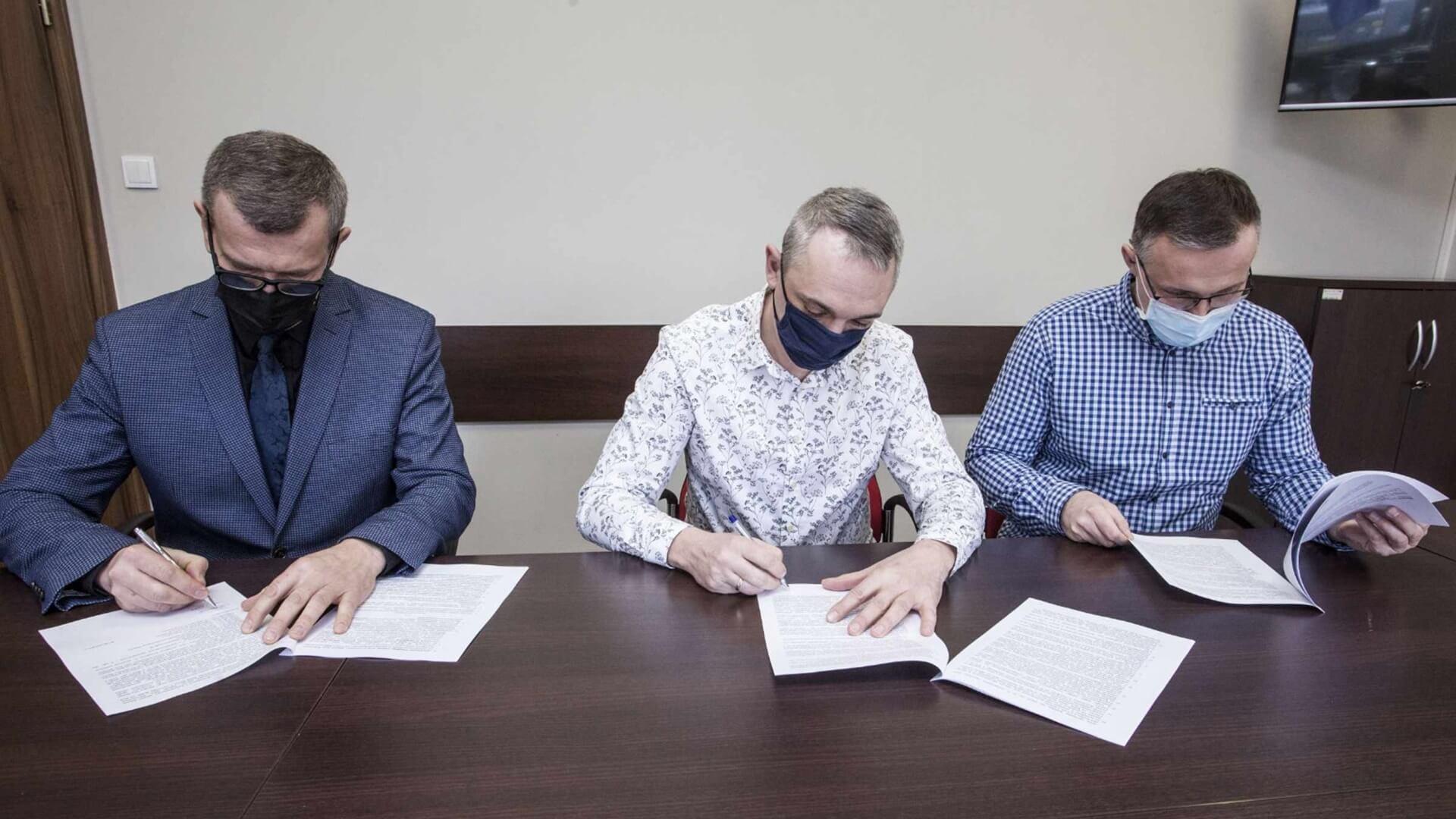Podpisanie umowy na budowę centrum opiekuńczo-mieszkalnego w Daniłowie Dużym, źródło: www.lapy.pl