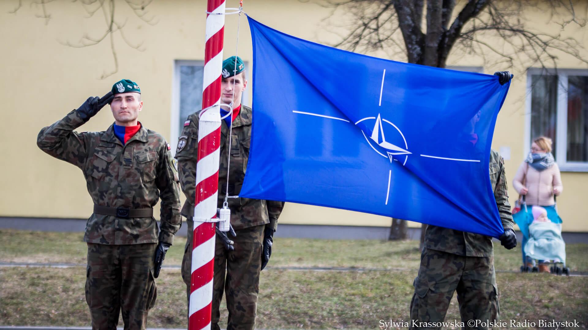 Flaga NATO - fot. Sylwia Krassowska