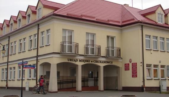 Urząd Miejski w Ciechanowcu, fot. Adam Dąbrowski