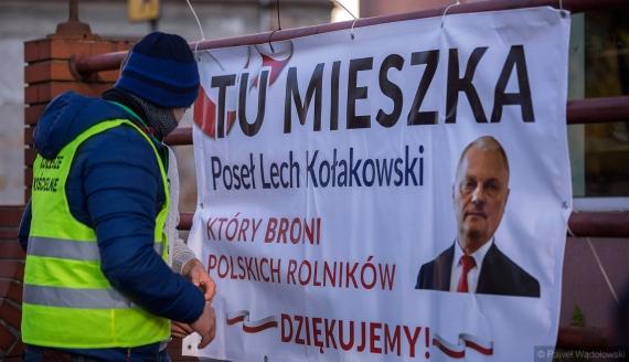 """Rolnicy dziękują politykom, którzy nie poparli """"Piątki dla zwierząt"""", fot. Paweł Wądołowski"""