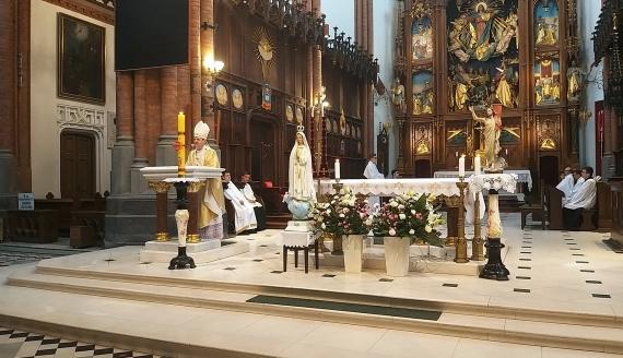 Msza z okazji 100-lecia urodzin Jana Pawła II w białostockiej katedrze, fot. Olga Gordiejew