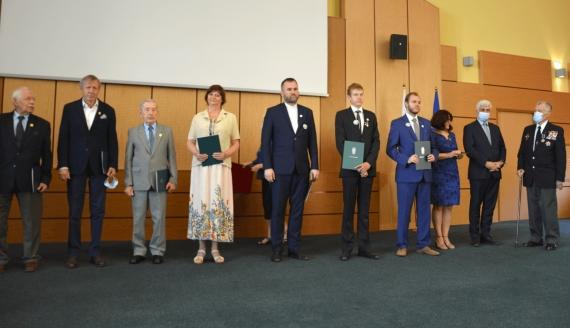 Wojewoda podlaski przyznał odznaczenia i medale, źródło: PUW