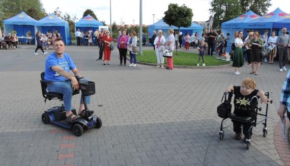 Piknik dla osób z niepełnosprawnością w Łomży, fot. Adam Dąbrowski