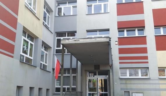 W SP nr 32 w Białymstoku powstanie klasa licealna, w której będą uczyć się badmintoniści i narciarze biegowi, fot. Edyta Wołosik