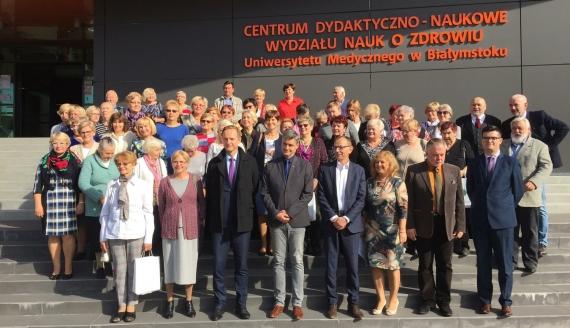 Seniorzy zaczynają naukę na Uniwersytecie Zdrowego Seniora w Białymstoku, fot. Marcin Mazewski