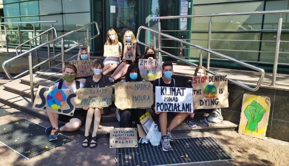 Młodzież w Białymstoku apeluje o to, by do szkół wprowadzić edukację klimatyczną, fot. Marcelina Markowska