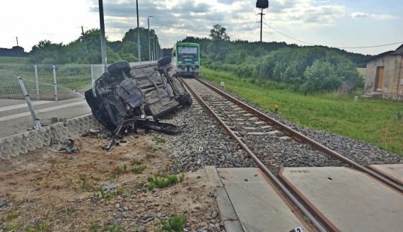 Wypadek na przejeździe kolejowym w Orlance, fot. KPP w Bielsku Podlaskim