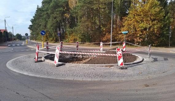 Mieszkańcy Dojlid Górnych narzekają na niedokończone prace przy budowie ronda, fot. Wojciech Szubzda