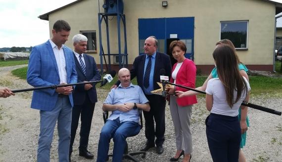 Marlena Maląg odwiedziła rodzinne przedsiębiorstwo w Olszewku, fot. Michał Buraczewski