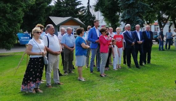 Minister Maląg zachęcała w Bielsku Podlaskim do głosowania na Andrzeja Dudę, fot. Marcin Gliński