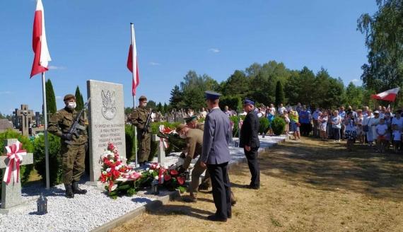 Mieszkańcy Niemirowa uczcili pamięć żołnierzy poległych w wojnie polsko-bolszewickiej, fot. Marcin Mazewski