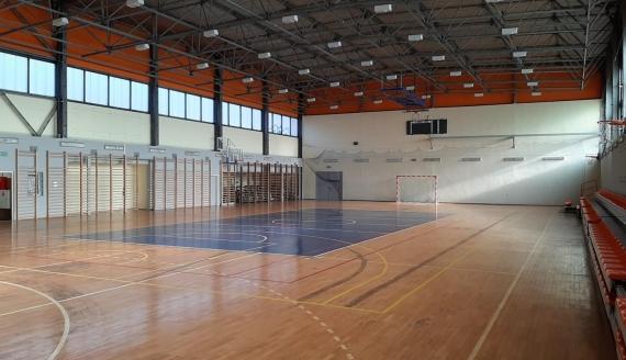 W hali sportowej UMB powstaje szpital tymczasowy, źródło: Podlaski Urząd Wojewódzki