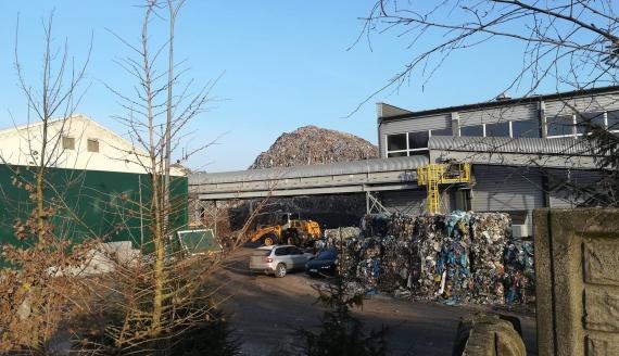 Pożar hałdy śmieci w sortowni odpadów w Studziankach, fot. Michał Buraczewski