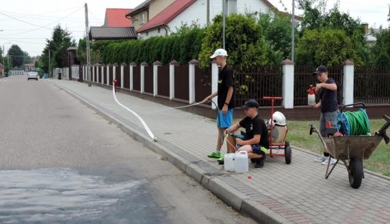 Młodzi strażacy z Nowogrodu, fot. Adam Dąbrowski