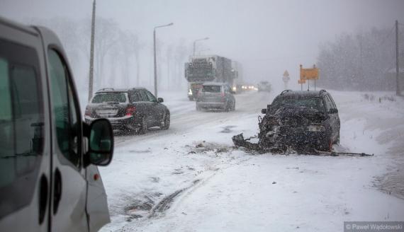 Trudne warunki na drogach - wypadki w woj. podlaskim, fot. Paweł Wądołowski
