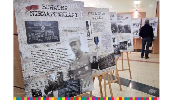 """W urzędzie wojewódzkim otwarto wystawę """"Oddziały Łupaszki"""", fot. Mateusz Duchnowski/UMWP"""