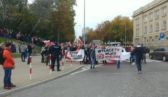 Ulicami Białegostoku przeszedł marsz tzw. antycovidowców, fot. Barbara Sokolińska